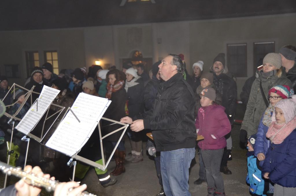 Leitung des Jugendorchester durch Manfred Lukas