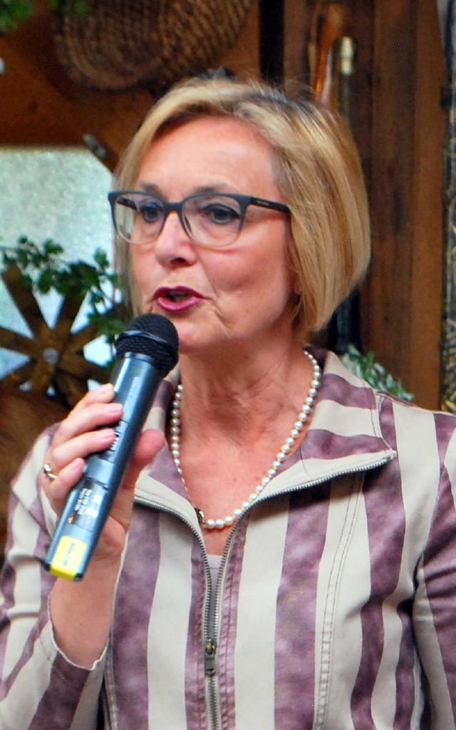 Frau Direktor Martina Strobl führte durch das Programm