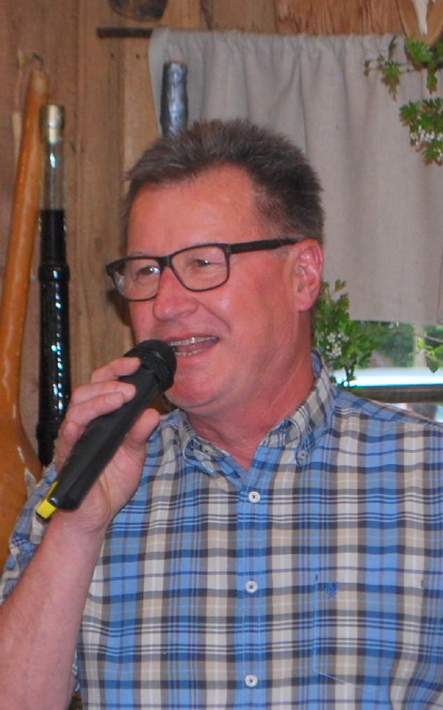 Bürgermeister Michael Fuchs-Wurzinger wünschte allen Mamas und Omas einen schönen Muttertag
