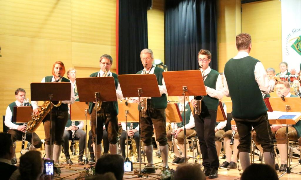 Baker Street mit den Saxophon-Solisten
