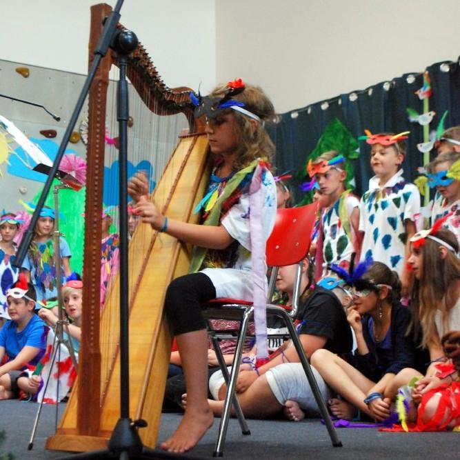 Auch eine Harfe gab es zu hören