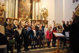 Kinderchor beim Adventkonzert